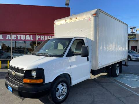 2011 Chevrolet Express Cutaway for sale at Sanmiguel Motors in South Gate CA