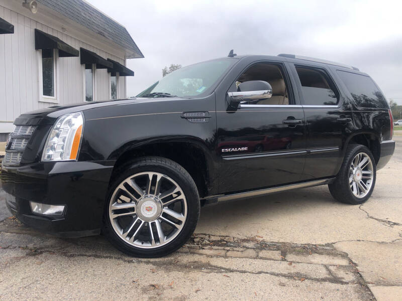 2013 Cadillac Escalade for sale at Beckham's Used Cars in Milledgeville GA