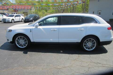 2013 Lincoln MKT for sale at Burgess Motors Inc in Michigan City IN