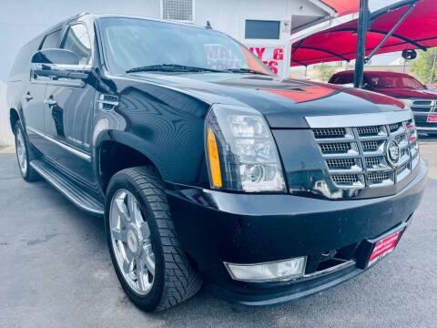 2011 Cadillac Escalade ESV for sale at Manny G Motors in San Antonio TX