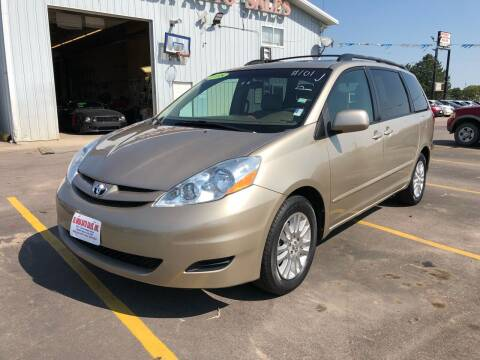 2008 Toyota Sienna for sale at De Anda Auto Sales in South Sioux City NE