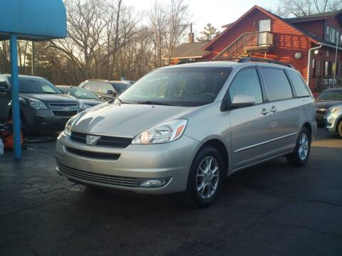 2005 Toyota Sienna for sale at BestBuyAutoLtd in Spring Grove IL