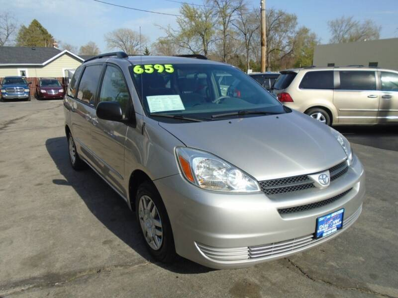 2005 Toyota Sienna for sale at DISCOVER AUTO SALES in Racine WI