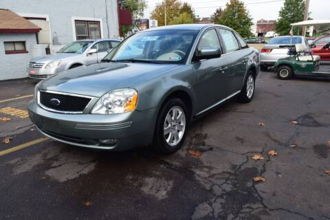 2006 Ford Five Hundred for sale at L&J AUTO SALES in Birdsboro PA
