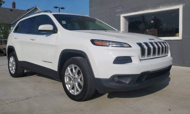 2015 Jeep Cherokee for sale at Julian Auto Sales, Inc. in Warren MI