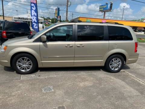 2010 Chrysler Town and Country for sale at Uncle Ronnie's Auto LLC in Houma LA