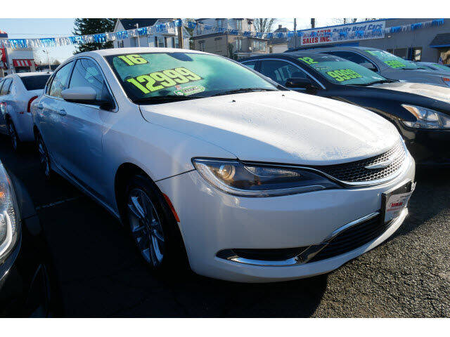 2016 Chrysler 200 for sale at M & R Auto Sales INC. in North Plainfield NJ