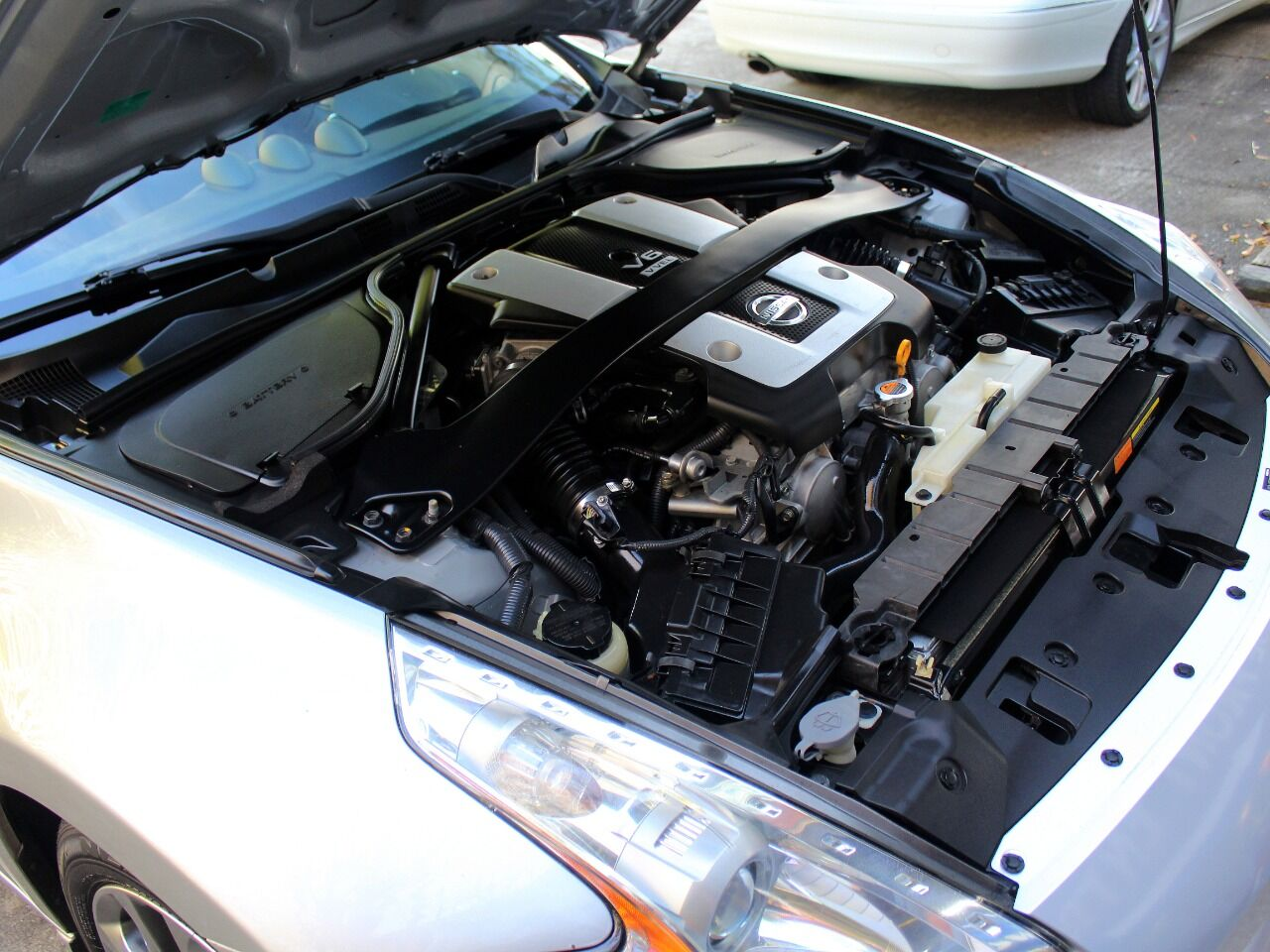 2010 Nissan 370Z 23