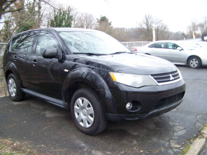 2009 Mitsubishi Outlander for sale at Collector Car Co in Zanesville OH