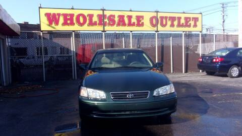 2001 Toyota Camry for sale at LONG BROTHERS CAR COMPANY in Cleveland OH
