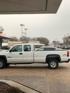 2004 Chevrolet Silverado 2500HD for sale at Calvary Cars & Service Inc. in Norfolk VA