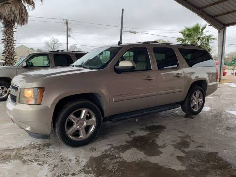 2007 Chevrolet Suburban for sale at M & M Motors in Angleton TX