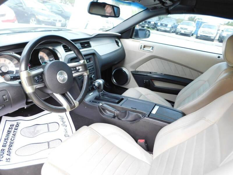 2010 Ford Mustang V6 2dr Convertible - San Antonio TX