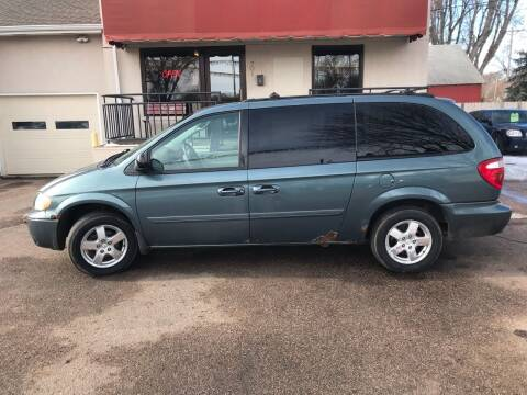 2005 Dodge Grand Caravan for sale at Imperial Group in Sioux Falls SD