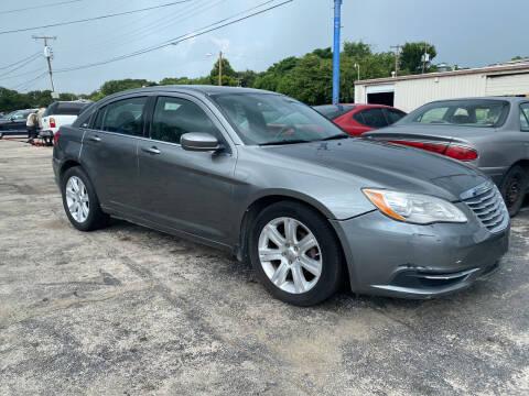 2013 Chrysler 200 for sale at Dave-O Motor Co. in Haltom City TX
