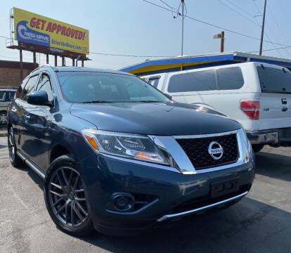2016 Nissan Pathfinder for sale at New Wave Auto Brokers & Sales in Denver CO