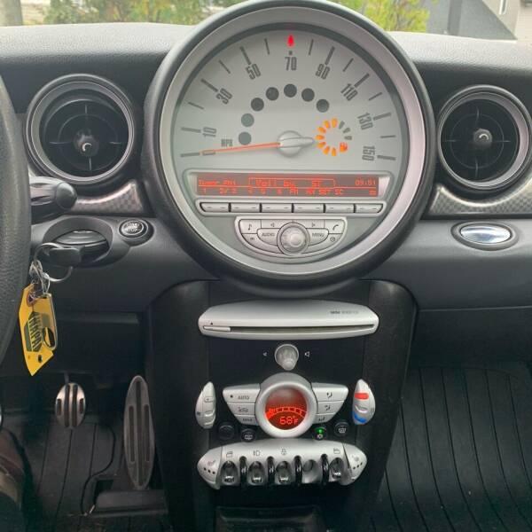 2007 MINI Cooper S 2dr Hatchback - Southwick MA