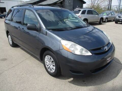 2010 Toyota Sienna for sale at King's Kars in Marion IA