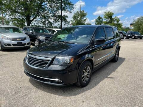 2014 Chrysler Town and Country for sale at Dean's Auto Sales in Flint MI