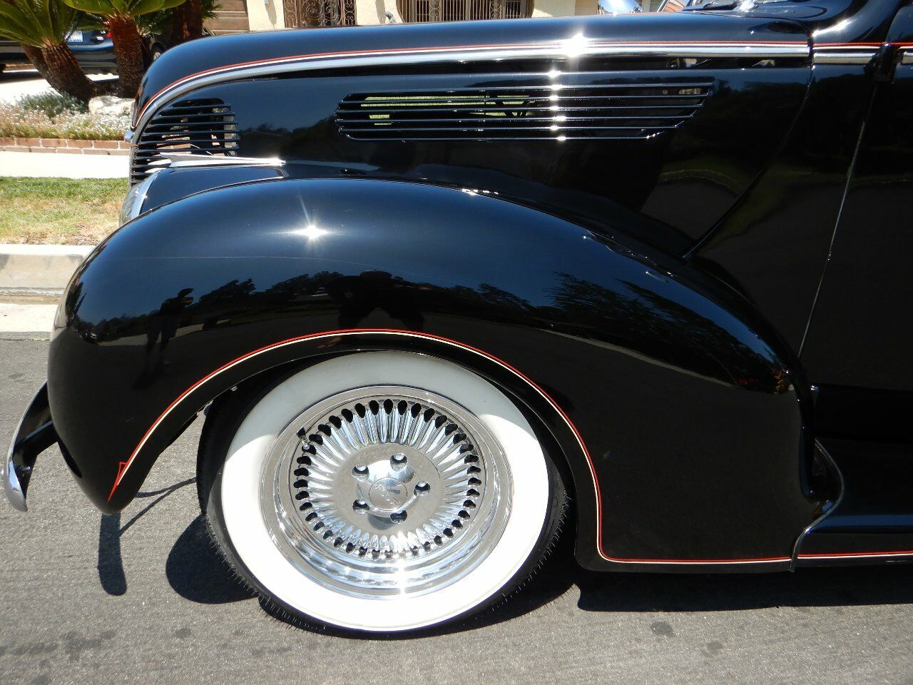 1938 Ford Cabriolet 22