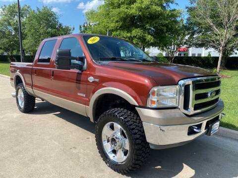 2007 Ford F-250 Super Duty for sale at UNITED AUTO WHOLESALERS LLC in Portsmouth VA