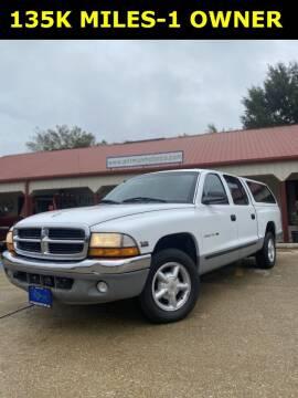 2000 Dodge Dakota for sale at PITTMAN MOTOR CO in Lindale TX