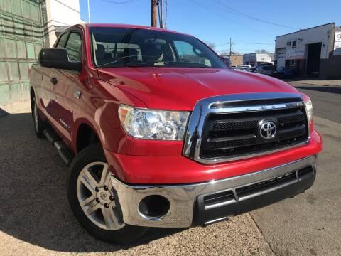 2011 Toyota Tundra for sale at Illinois Auto Sales in Paterson NJ