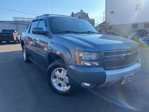 2009 Chevrolet Avalanche for sale at PRNDL Auto Group in Irvington NJ