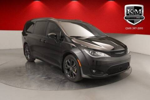 2019 Chrysler Pacifica for sale at K&M Wayland Chrysler  Dodge Jeep Ram in Wayland MI