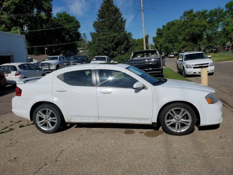 2011 Dodge Avenger for sale at RIVERSIDE AUTO SALES in Sioux City IA