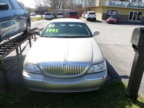 2004 Lincoln Town Car for sale at Credit Cars of NWA in Bentonville AR