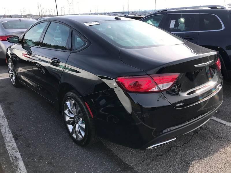 2015 Chrysler 200 AWD S 4dr Sedan - Newark NJ