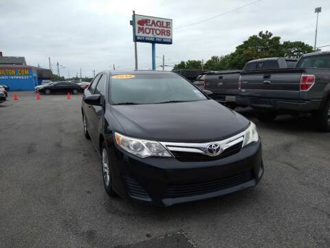 2014 Toyota Camry for sale at Eagle Motors in Hamilton OH