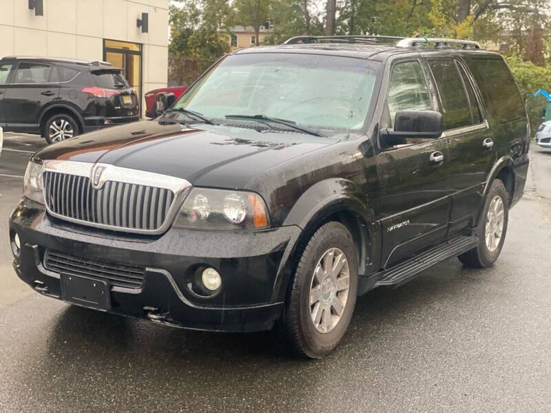 2004 Lincoln Navigator for sale at MAGIC AUTO SALES in Little Ferry NJ