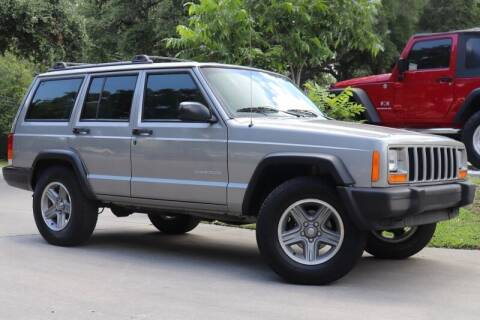2001 Jeep Cherokee for sale at SELECT JEEPS INC in League City TX