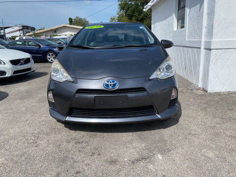 2014 Toyota Prius c for sale at INTERNATIONAL AUTO BROKERS INC in Hollywood FL
