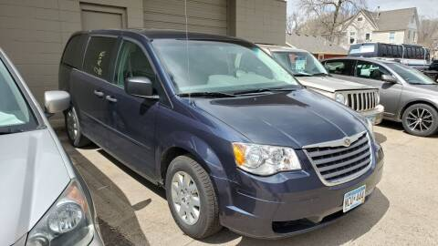 2008 Chrysler Town and Country for sale at North Metro Auto Sales in Cambridge MN