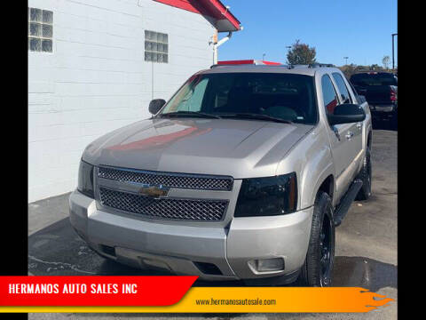 2007 Chevrolet Avalanche for sale at HERMANOS AUTO SALES INC in Hamilton OH