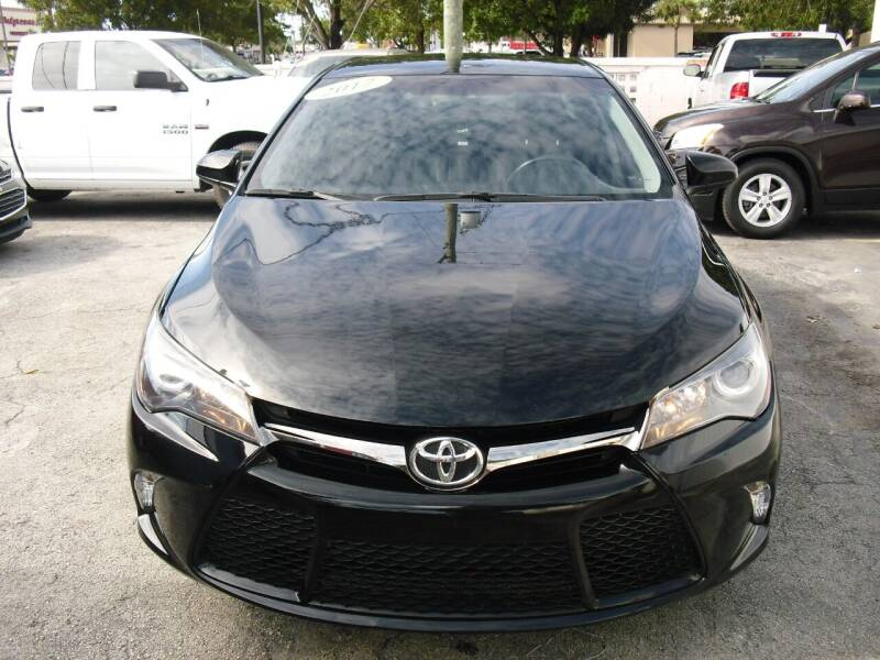 2017 Toyota Camry for sale at SUPERAUTO AUTO SALES INC in Hialeah FL