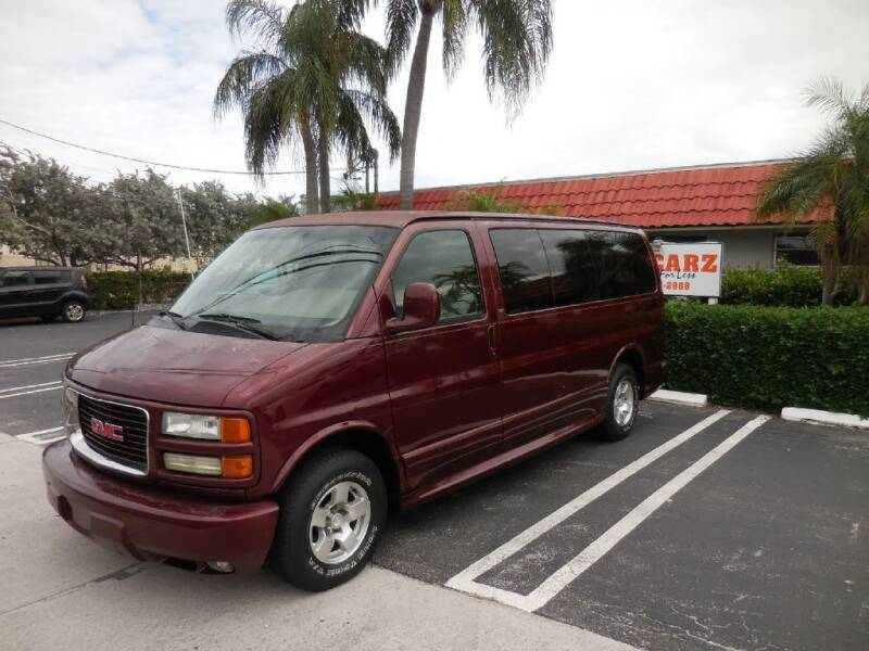 2001 GMC Savana Passenger for sale at Uzdcarz Inc. in Pompano Beach FL