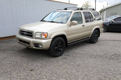 1999 Nissan Pathfinder for sale at Queen City Classics in West Chester OH