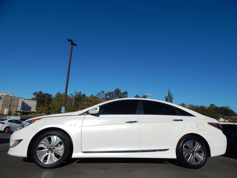 2015 Hyundai Sonata Hybrid for sale at Direct Auto Outlet LLC in Fair Oaks CA
