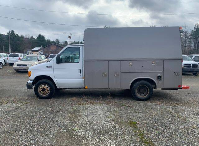 2005 Ford E-Series Chassis for sale at Upstate Auto Sales Inc. in Pittstown NY