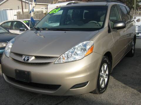 2009 Toyota Sienna for sale at JERRY'S AUTO SALES in Staten Island NY