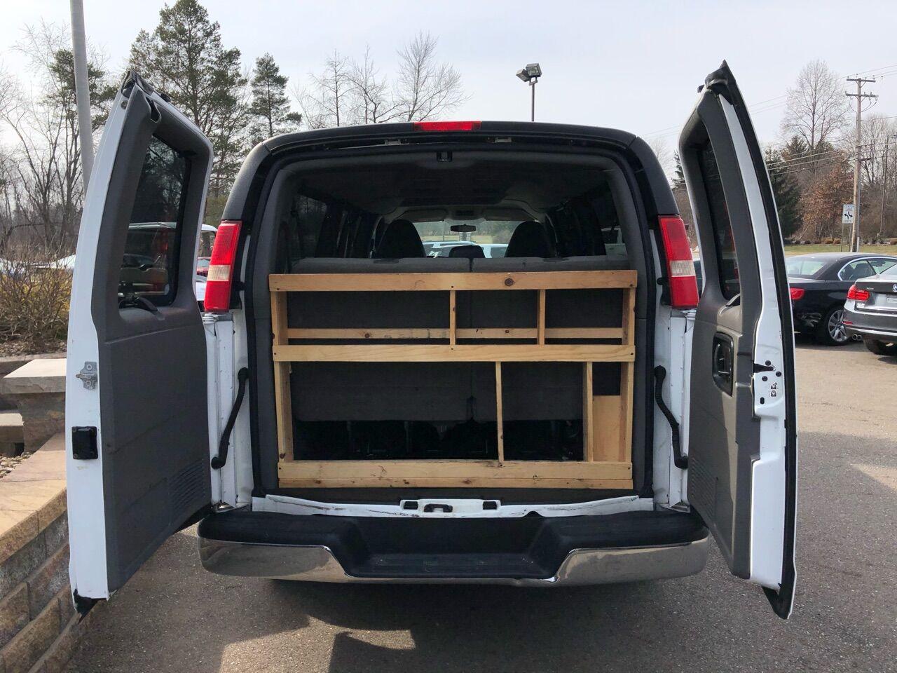 2012 GMC Savana Passenger Full-size Passenger Van