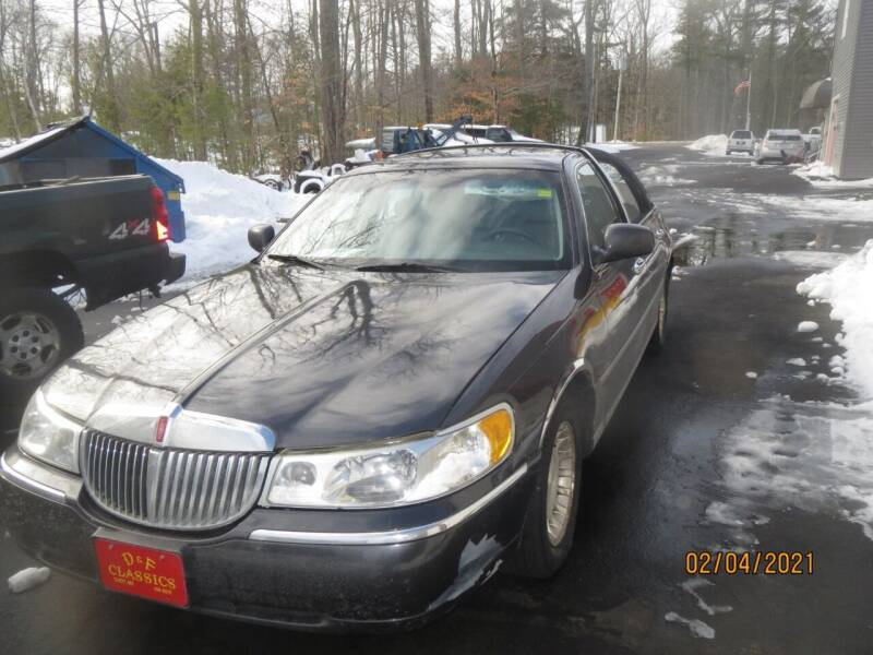 2001 Lincoln Town Car for sale at D & F Classics in Eliot ME