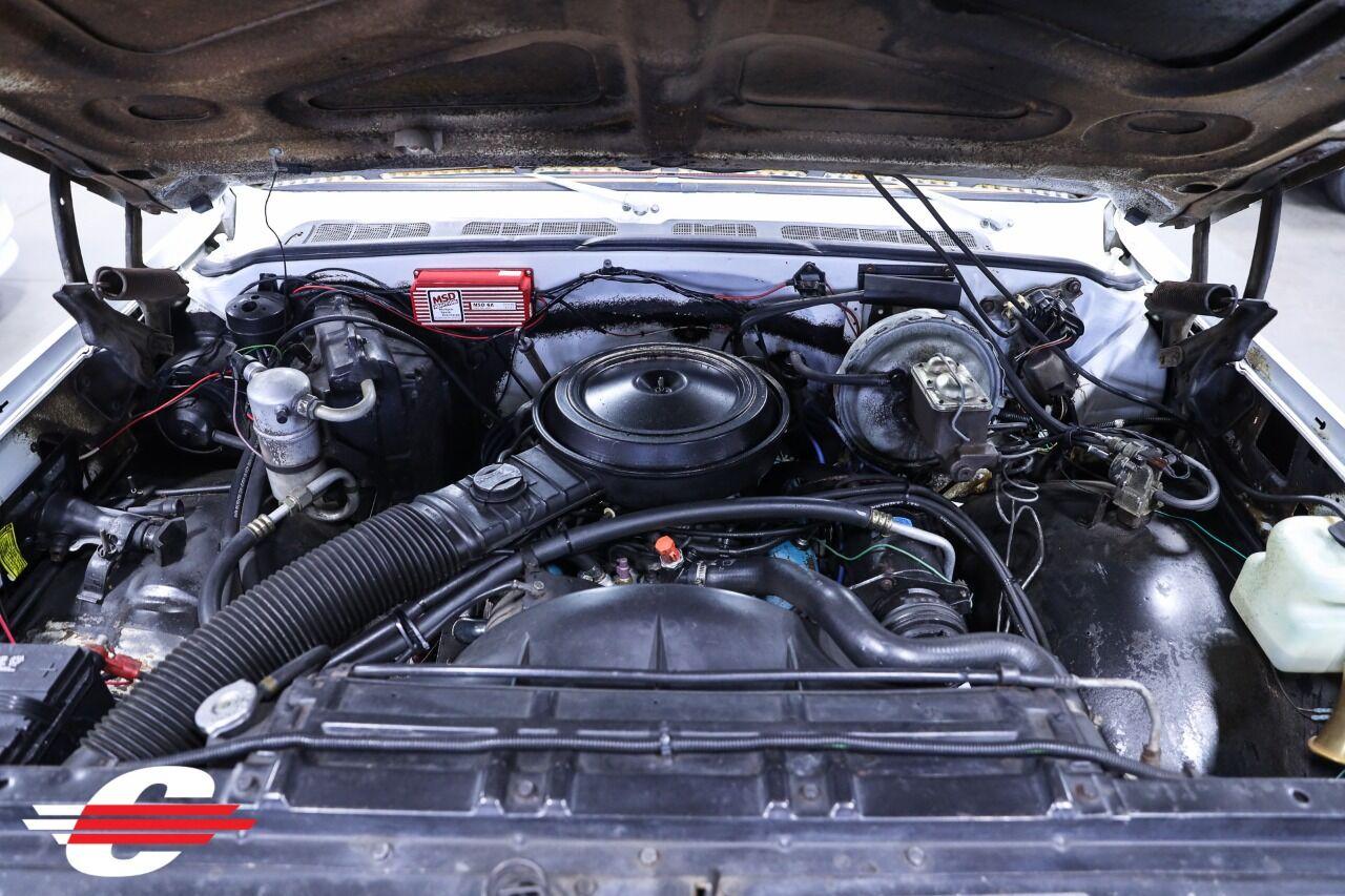 Cantech automotive: 1979 Chevrolet C/K 10 Series V8 5.7L Pickup Truck