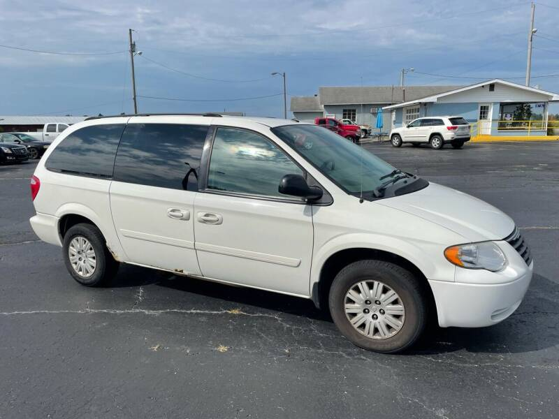 2007 Chrysler Town and Country for sale at Huggins Auto Sales in Hartford City IN