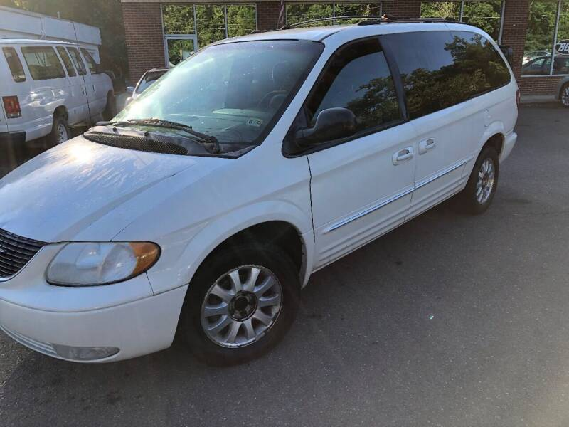 2002 Chrysler Town and Country for sale at REGIONAL AUTO CENTER in Stafford VA