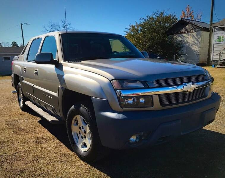 2002 Chevrolet Avalanche for sale at Cutiva Cars in Gastonia NC